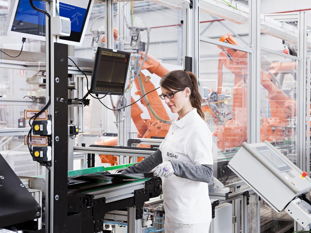 Fábrica de inducción de Montañana de BSH, una de las empresas que más patentes registra en Aragón.