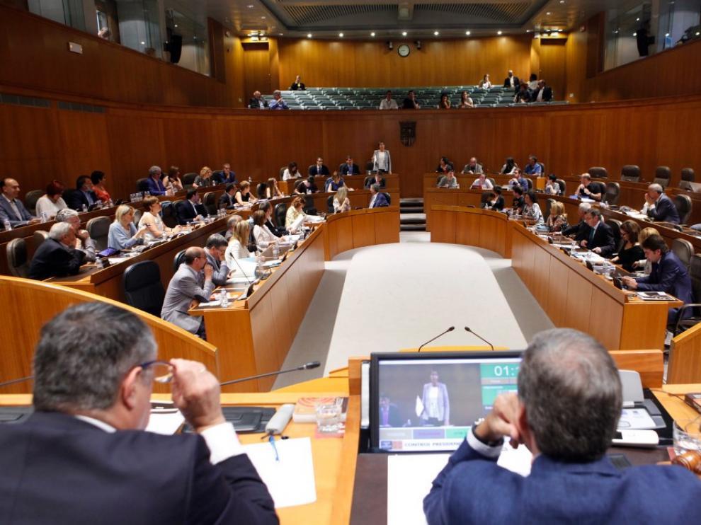 Foto archivo de un pleno de las Cortes de Aragón