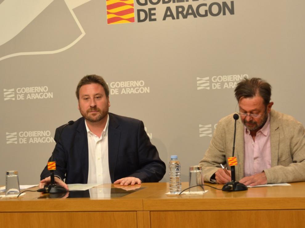 José Luis Soro y Carmelo Bosque en la presentación de las actividades de este fin de semana en torno a Canfranc.