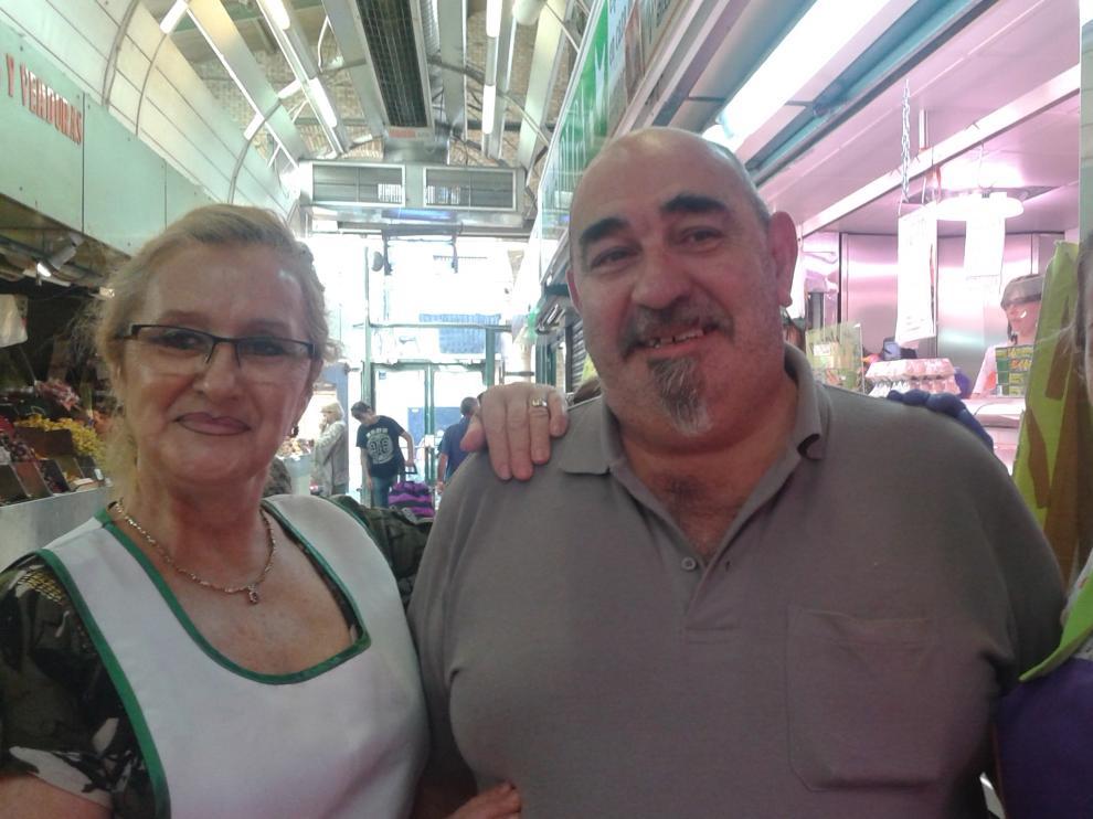 Olga, Ángel y Patricia tras su gesta en el Mercado Central de Zaragoza.
