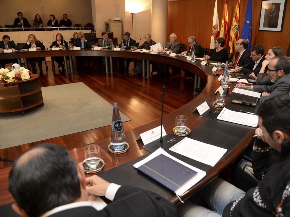 Un reciente pleno de la Diputación Provincial de Huesca, gobernada por el PSOE.