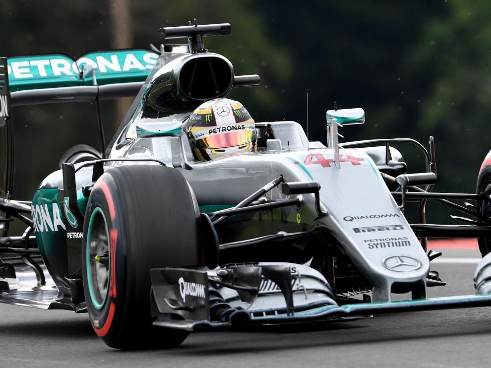 Hamilton logra la 'pole' en Austria por delante de Rosberg y Hülkenberg