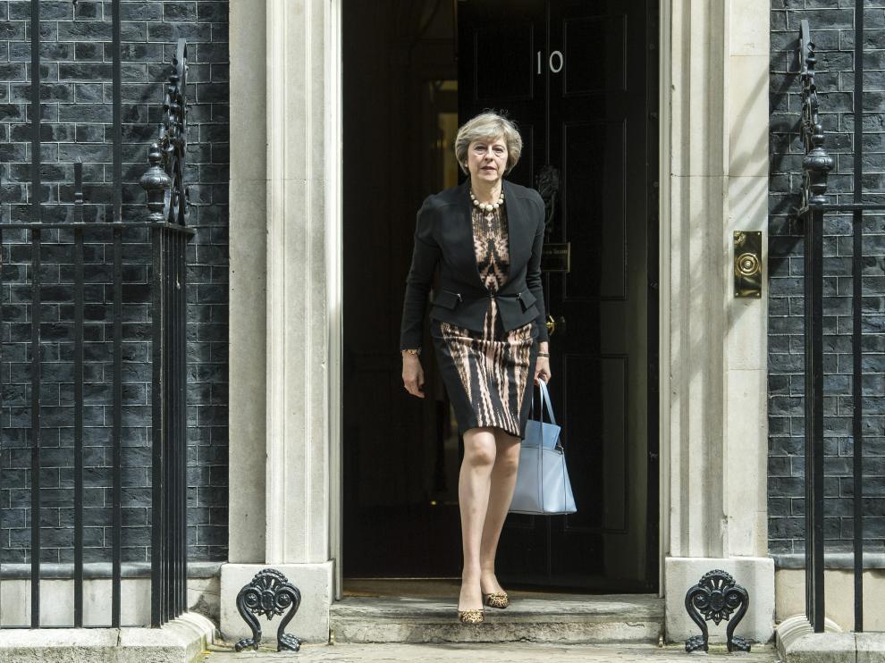 Theresa May, este martes, en la puerta del 10 de Downing Street.