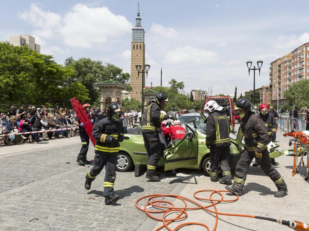 Ejercicio de simulacro de los bomberos de Zaragoza.