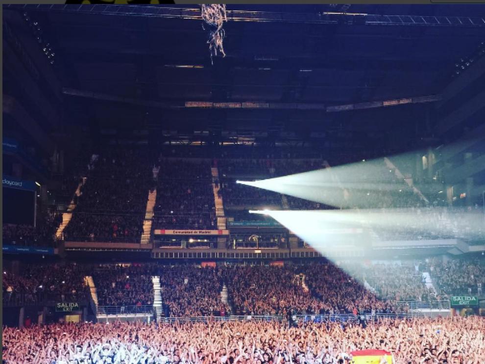 Foto de la banda agradeciendo al público de Madrid en Instagram