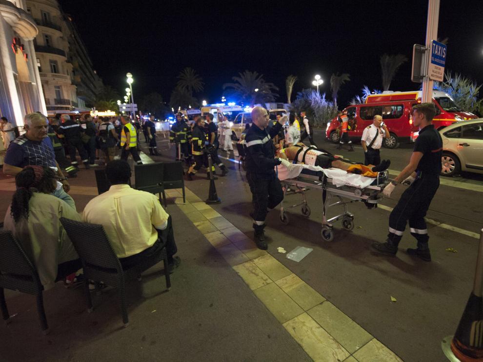 El paseo de los Ingleses de Niza fue manchado de sangre este jueves por el atentado terrorista.