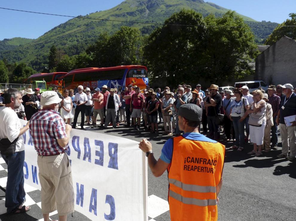 La concentración tuvo lugar en la estación de tren de Bedous.