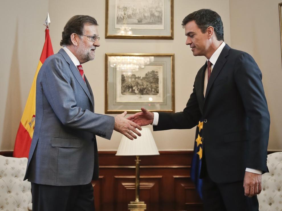 Foto de Mariano Rajoy y Pedro Sánchez durante su encuentro el pasado 17 de julio