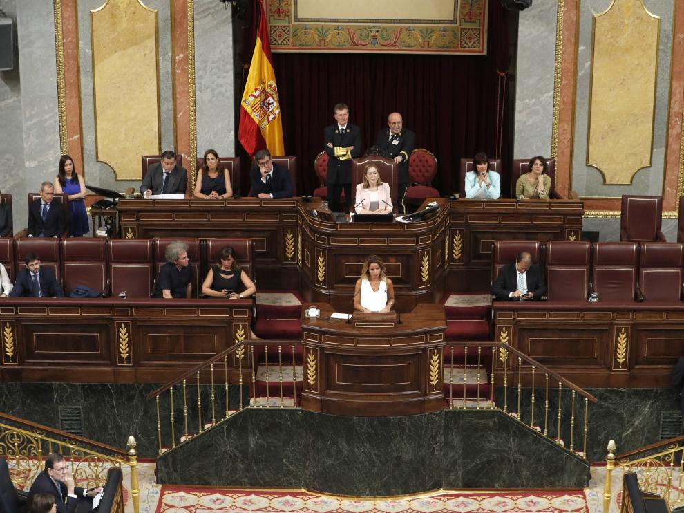 Nueva Mesa del Congreso tras la sesión constitutiva de las Cortes.