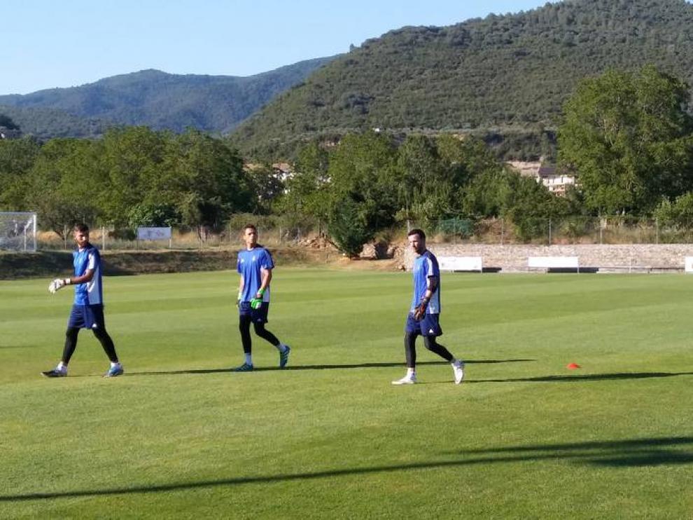 Herrera, segundo por la derecha, en un entrenamiento de esta semana en Boltaña