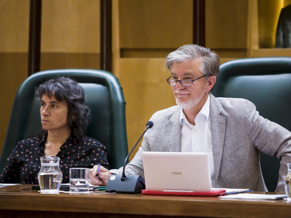 El alcalde, Pedro Santisteve, durante un pleno.