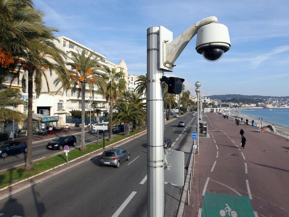 Una cámara de seguridad, en el paseo de los Ingleses de Niza
