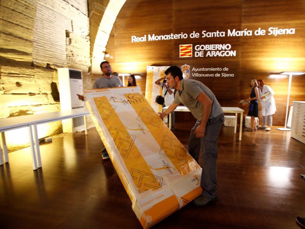 Llegan a Sijena las 53 piezas entregadas por la Generalitat