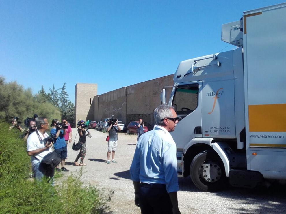 El camión con las 53 piezas del MNAC ya está en Sijena