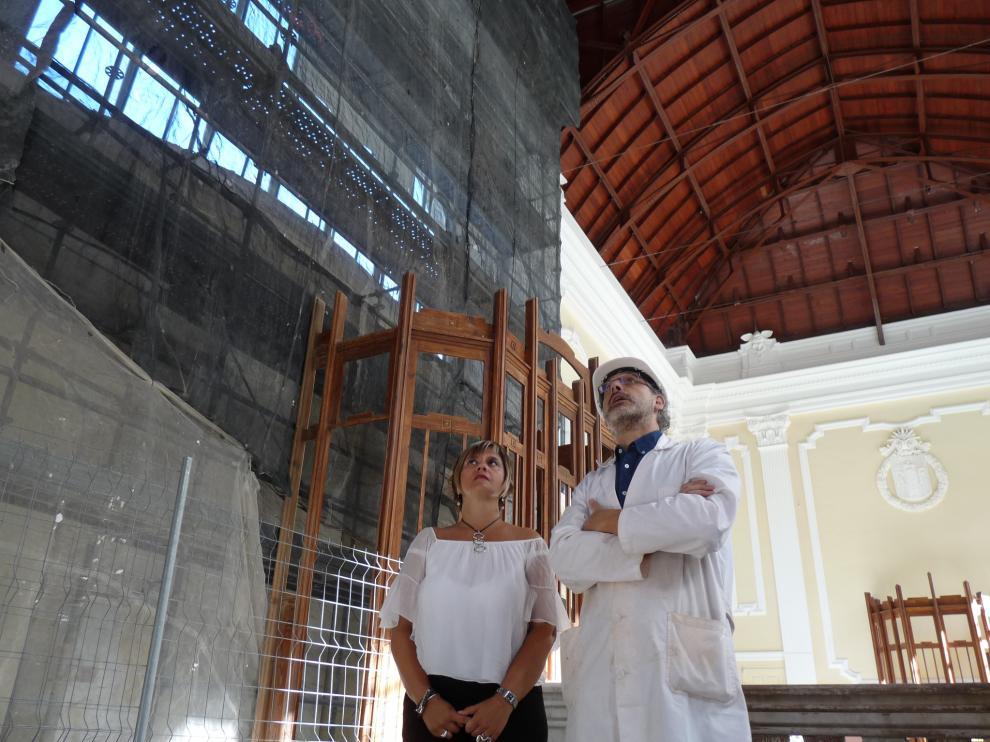 Mayte Andreu e Ignacio Mustienes, ayer en la visita que realizaron a la estación.