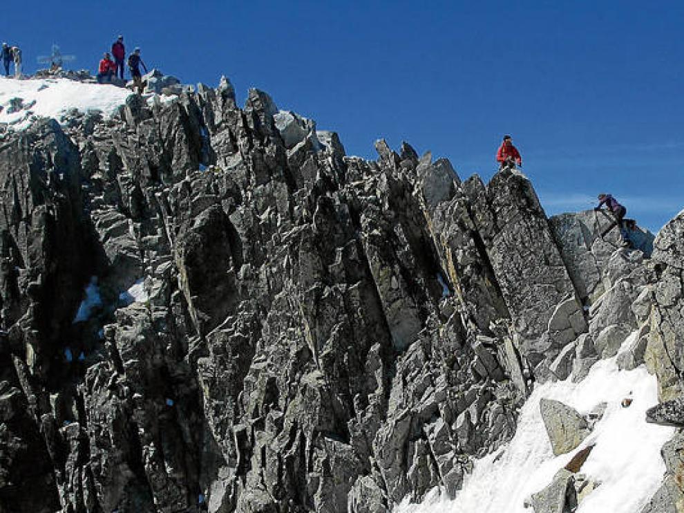 Con sus 3.404 metros, el Aneto es el pico más alto de los Pirineos.