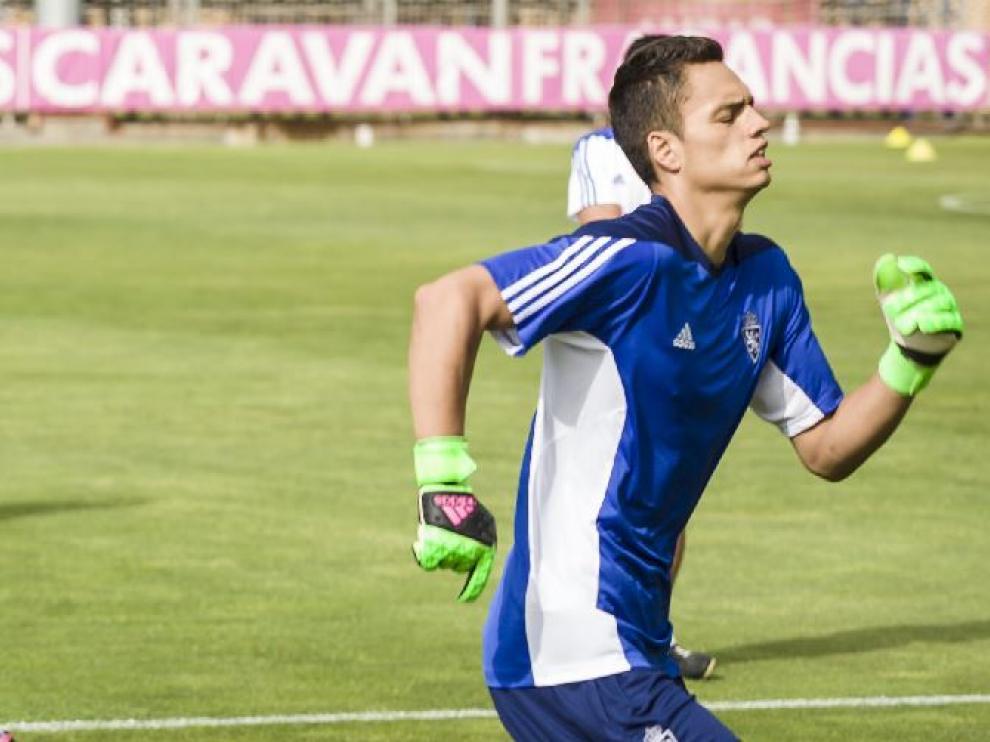 Óscar Whalley, en carrera durante un entrenamiento de la semana pasada en la Ciudad Deportiva.