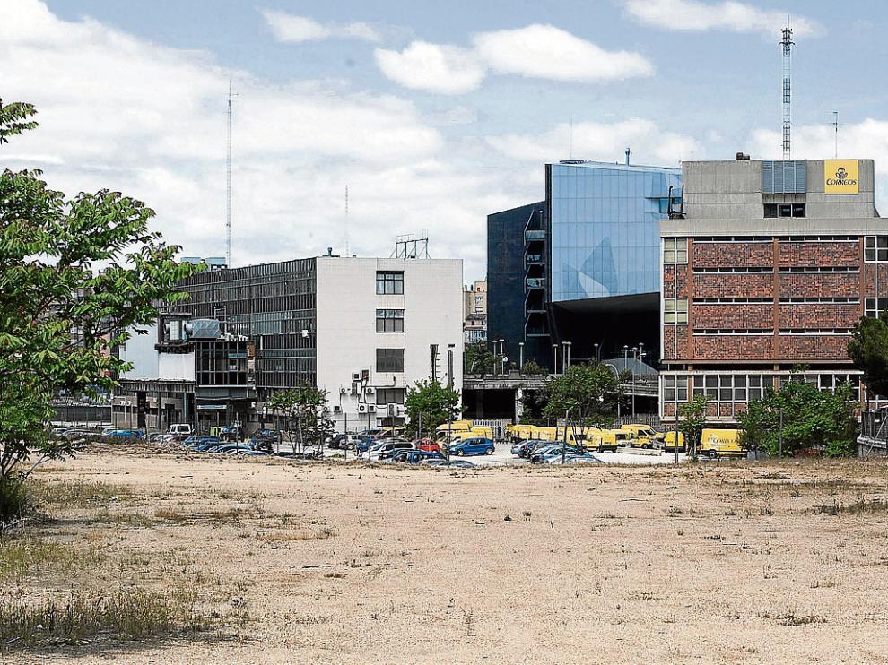 El traslado de las dependencias del ADIF del Portillo a Delicias, así como la posterior demolición de la vieja terminal y la urbanización de los terrenos, sigue pendientes.