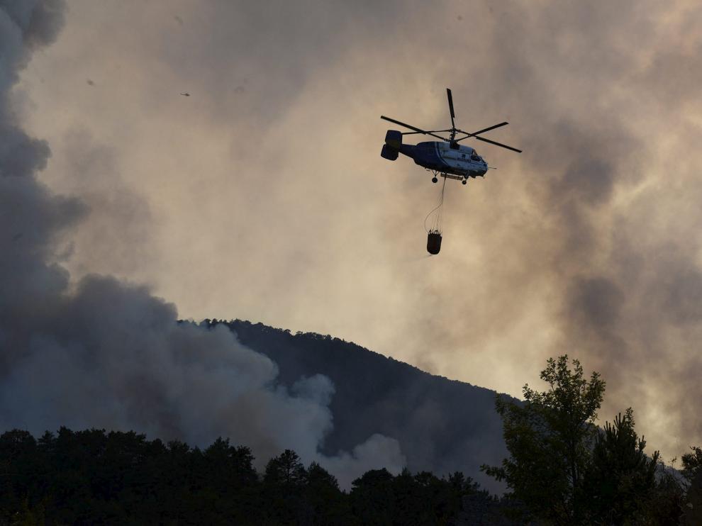 Imágenes del incendio en Atarés en el que intervinieron los Servicios de Emergencias de Jaca.