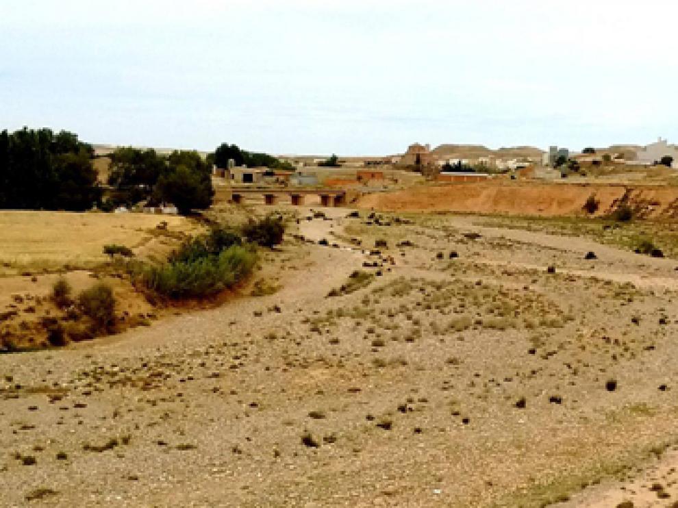 Cauce del río Aguas Vivas, en la localidad turolense de Vinaceite