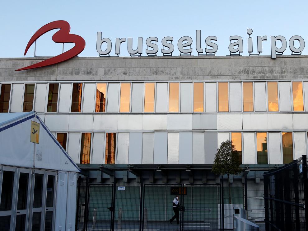 La alcaldesa de Zaventem, Ingrid Holemans, confirmó el aterrizaje sin incidentes de ambos aviones
