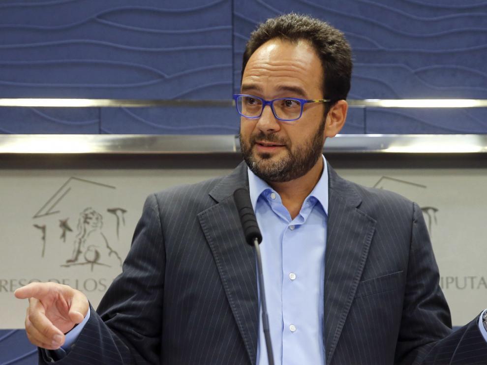 Antonio Hernando en rueda de prensa.