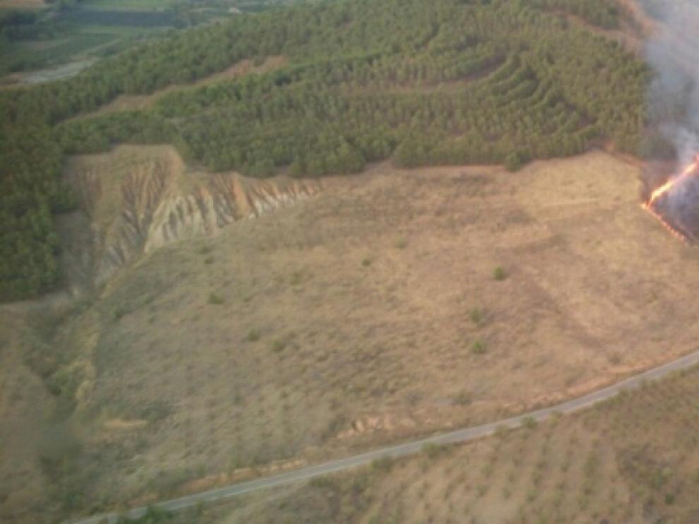 Imagen aérea del incendio en Valtorres.