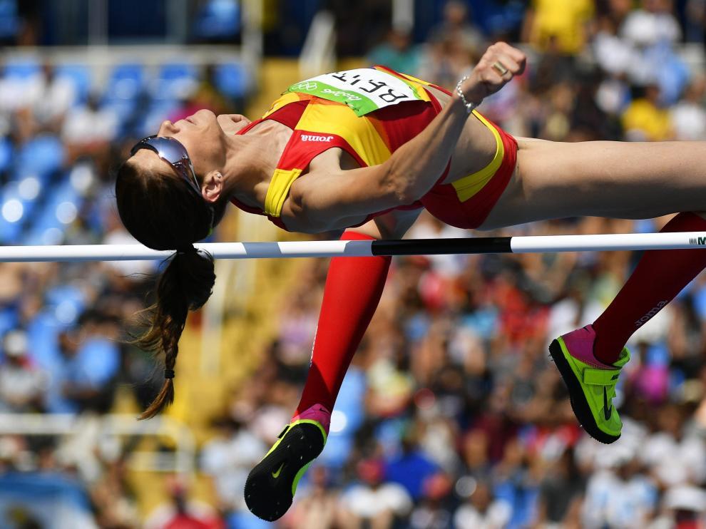 Ruth Beitia durante la competición de salto de altura en Río