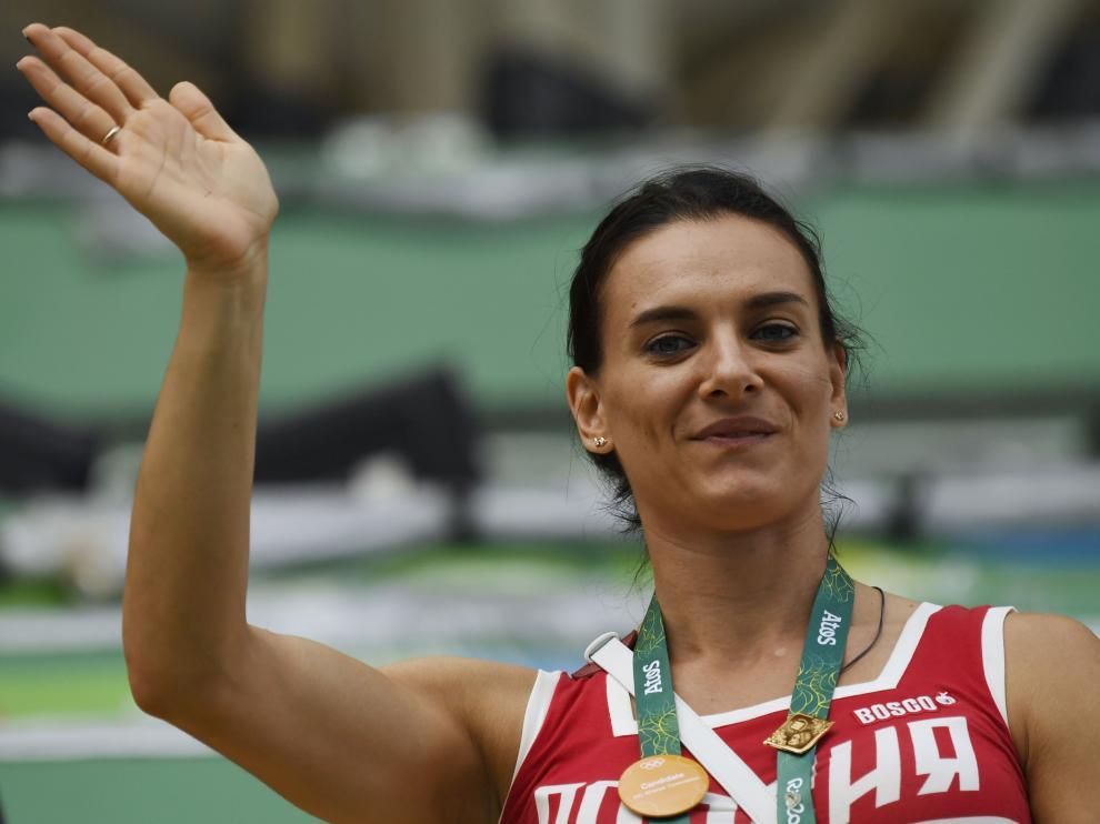 Isinbáyeva anuncia su retirada tras ser excluida de los Juegos de Río