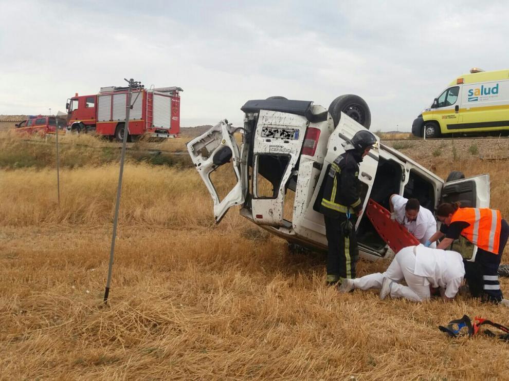 Los bomberos de la DPZ rescataron al herido.