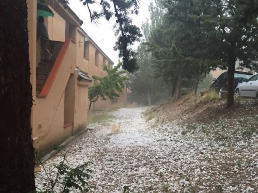 Una intensa granizada deja importantes daños en Alcalá de la Selva