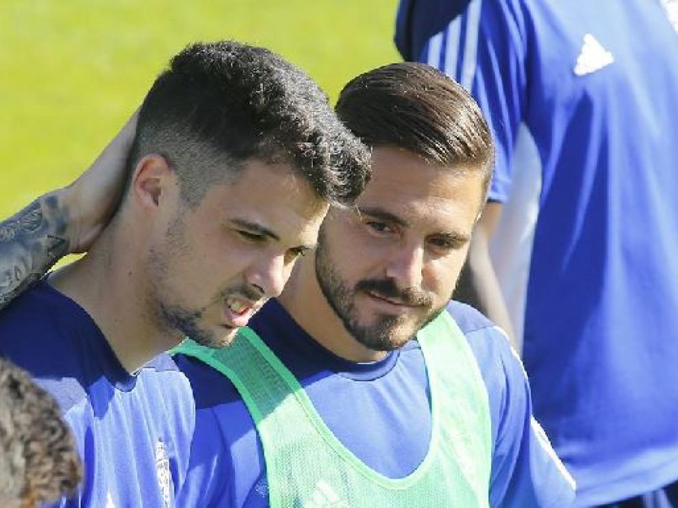 Erik Morán y Javi Ros, juntos durante un entrenamiento.