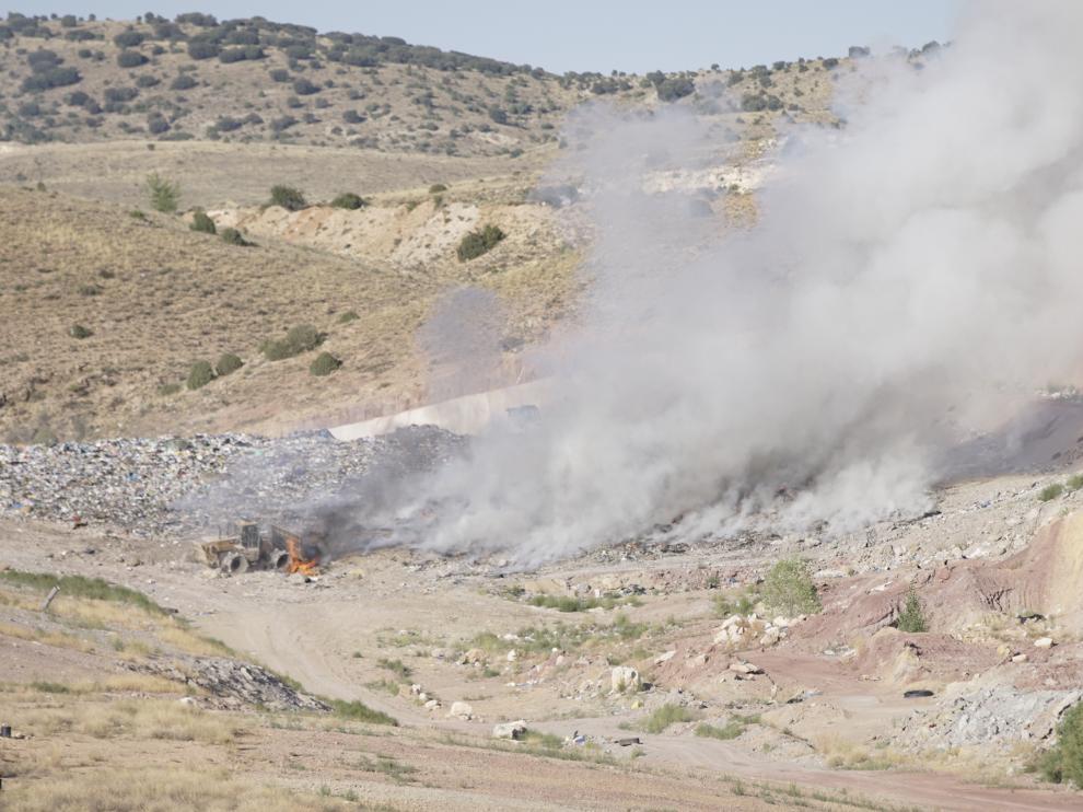 La combustión de las basuras generó mucho humo.