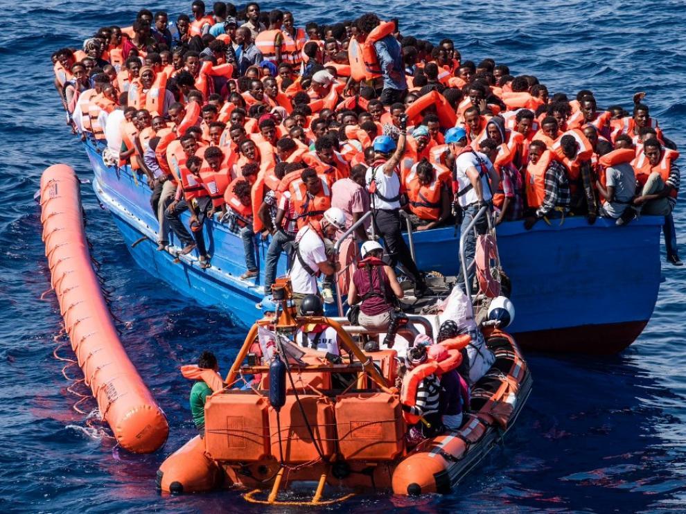 Entre los rescatados había cerca de una veintena de menores de edad.