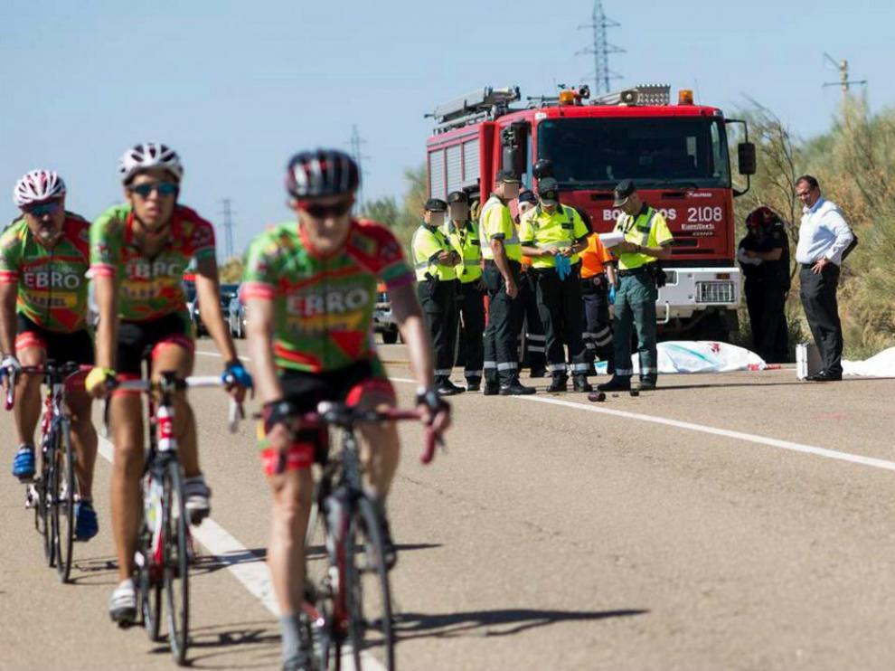 Dos ciclistas mueren atropellados en Botorrita