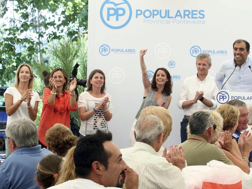 Levy saluda a militantes del PP en un acto este fin de semana.