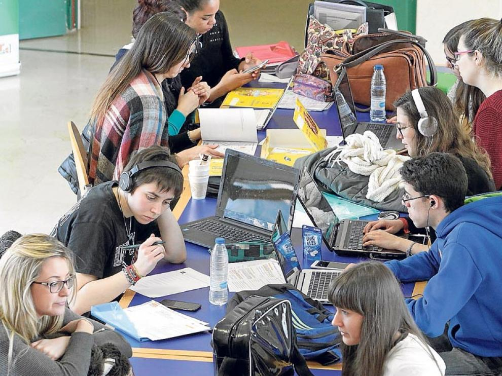Estudiantes, en las instalaciones del Campus, durante el curso.