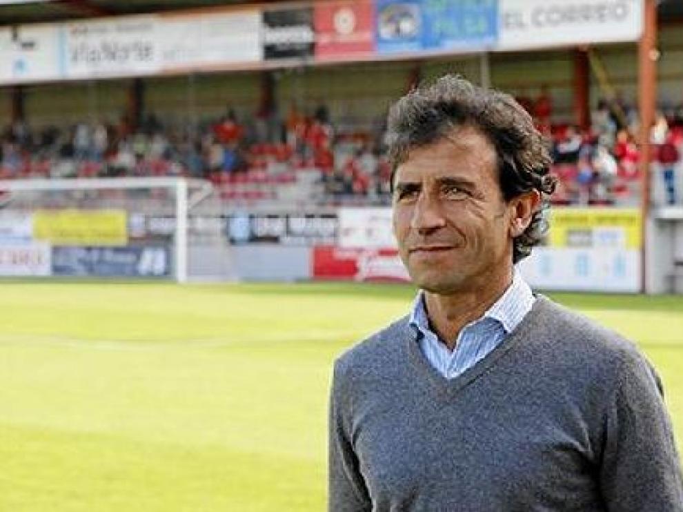 Luis Milla, hace siete meses en la banda del Anxo Carro de Lugo cuando ejercía de entrenador del club gallego antes de su traumática dimisión. El sábado volverá ahí, pero al frente del Real Zaragoza.