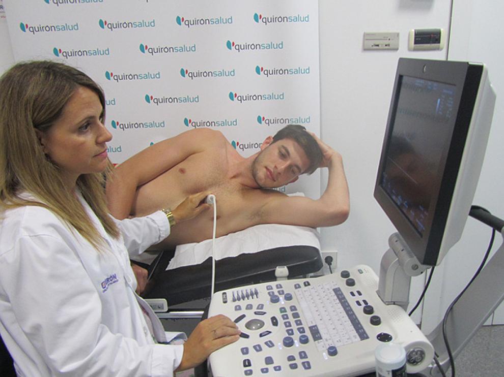 El Hospital de Día Quirónsalud Zaragoza ha realizado estos días los ecocardiogramas a la plantilla del conjunto aragonés.