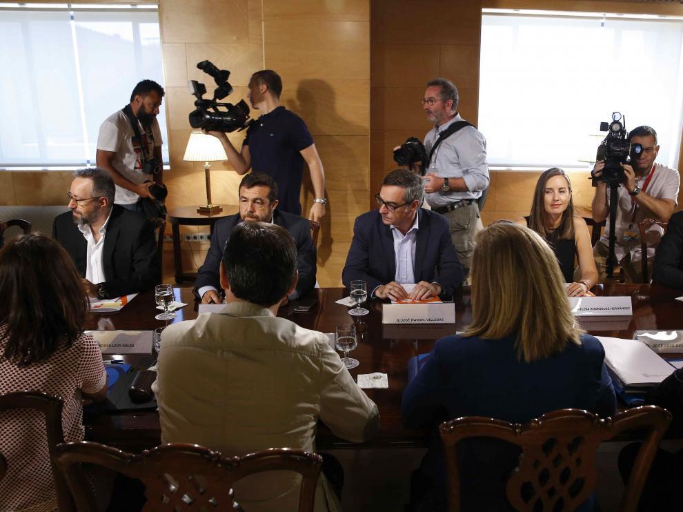 Reunión del PP y Ciudadanos para definir los acuerdos