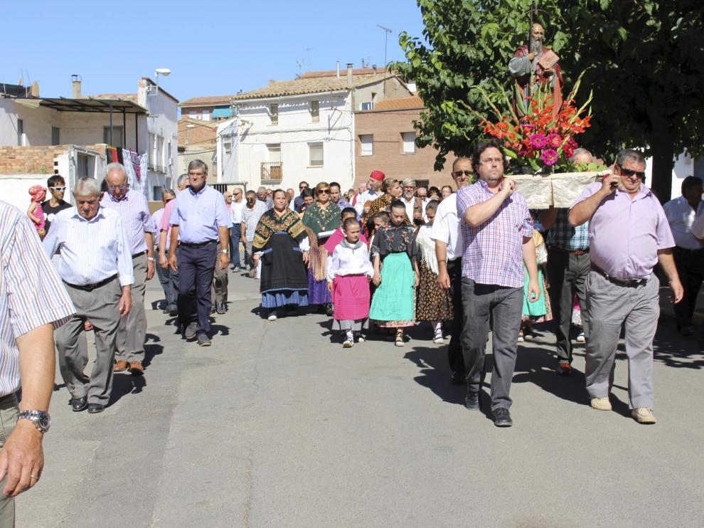 La procesión de San Bartolomé recorrió las principales calles de la localidad.