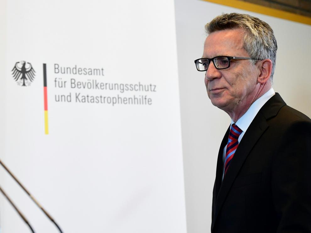El ministro Thomas de Maizière durante una rueda de prensa