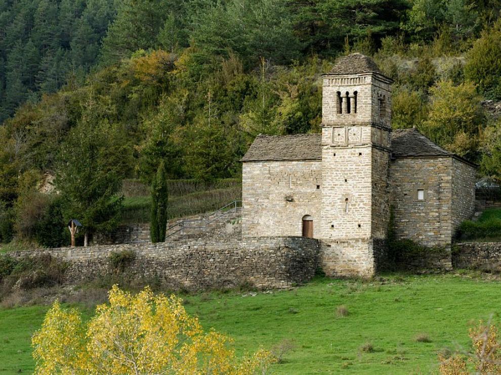La ermita de San Bartolomé es el puntode llegada de la ruta de dicho valle. BTT Alto Gállego