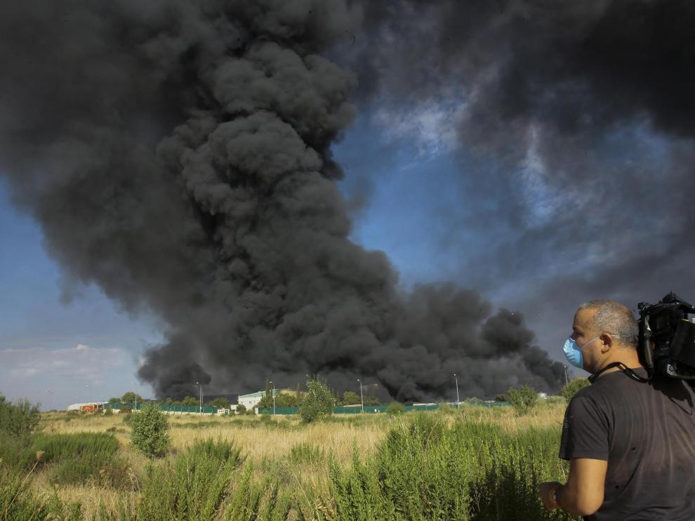Incendio de una nave en Chiloeches que estaba cerrada por incumplir normativa