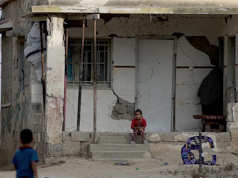 Dos años tras la guerra, con poca reconstrucción y miedo a un nuevo conflicto