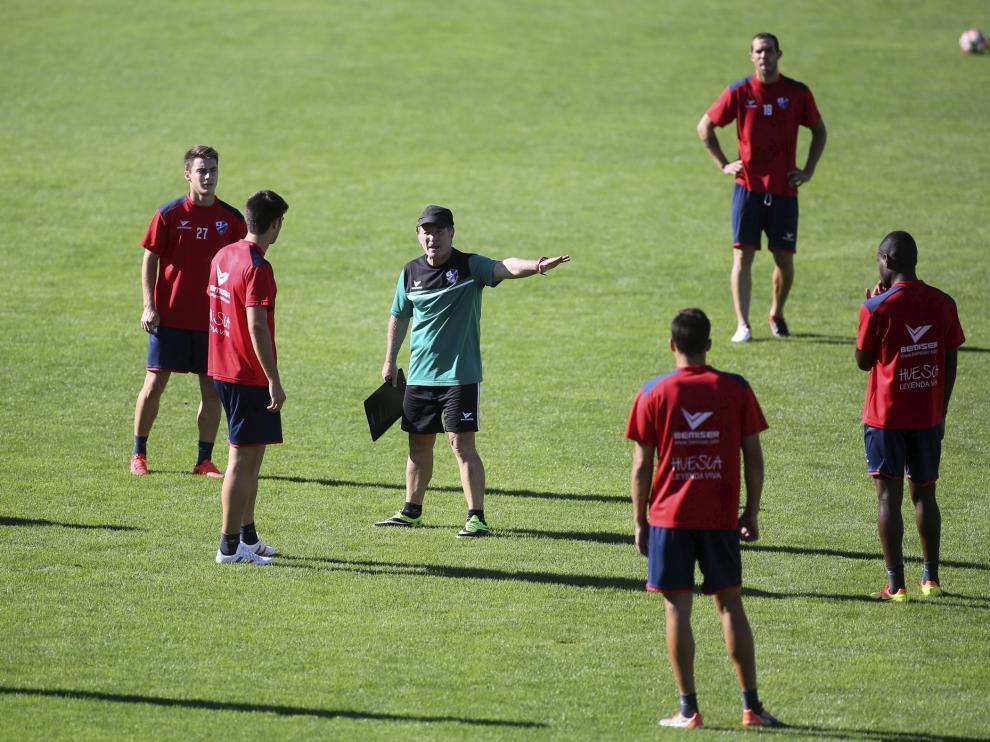 Entrenamiento de la SD Huesca en Alcoraz