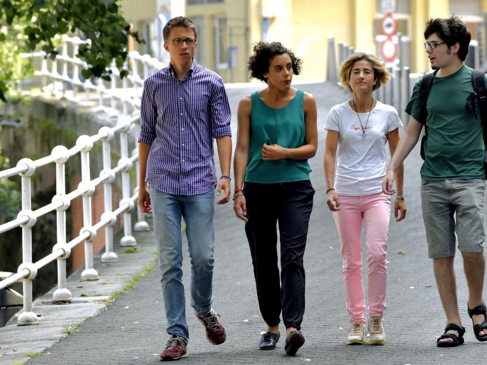 Errejón junto a la candidata a Lehendakari y otros miembros de Podemos en el País Vasco.