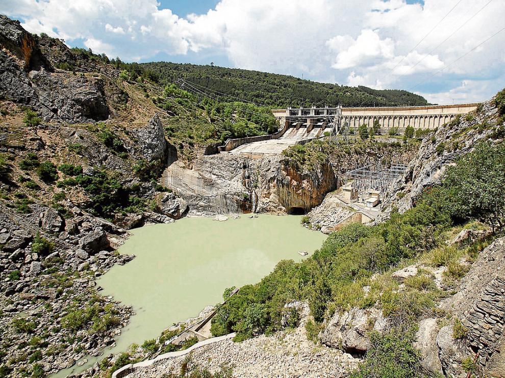 Central hidroeléctrica de Mediano, una de las dos explotadas por Acciona.