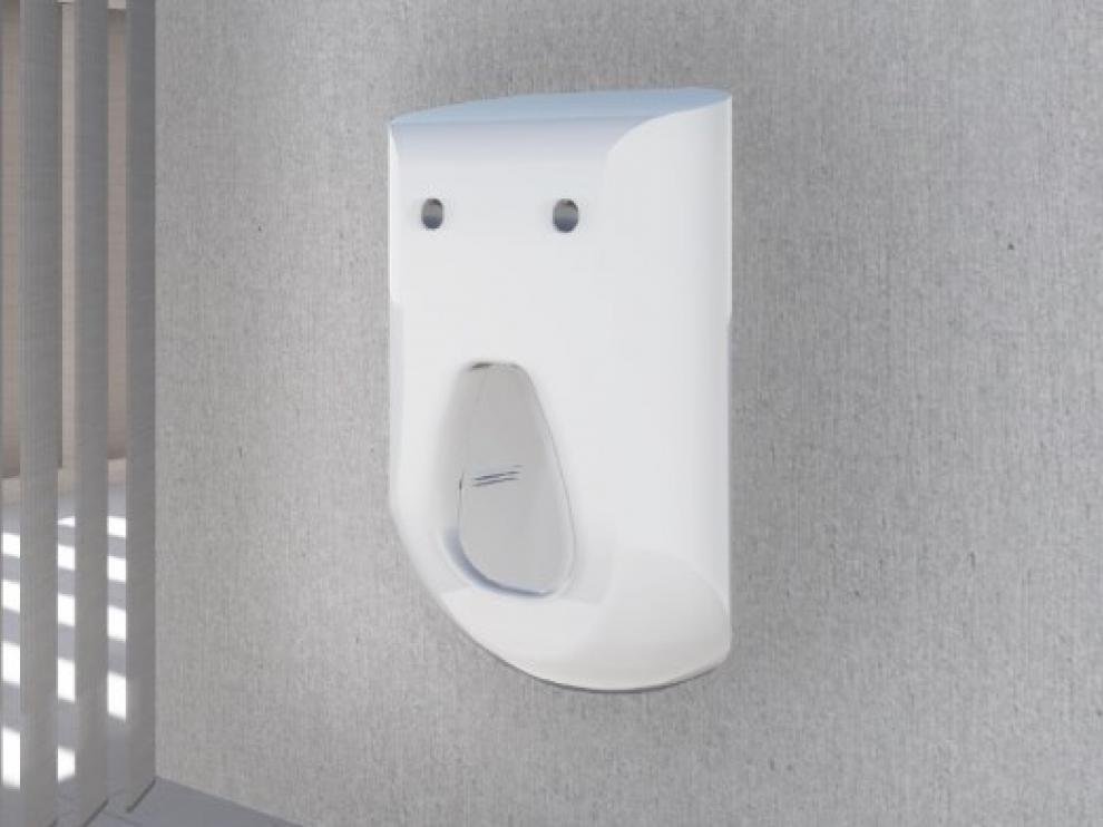 Cuando el usuario ha terminado de utilizarlo, los sensores lo detectan y ponen en marcha una cortina de agua enjabonada
