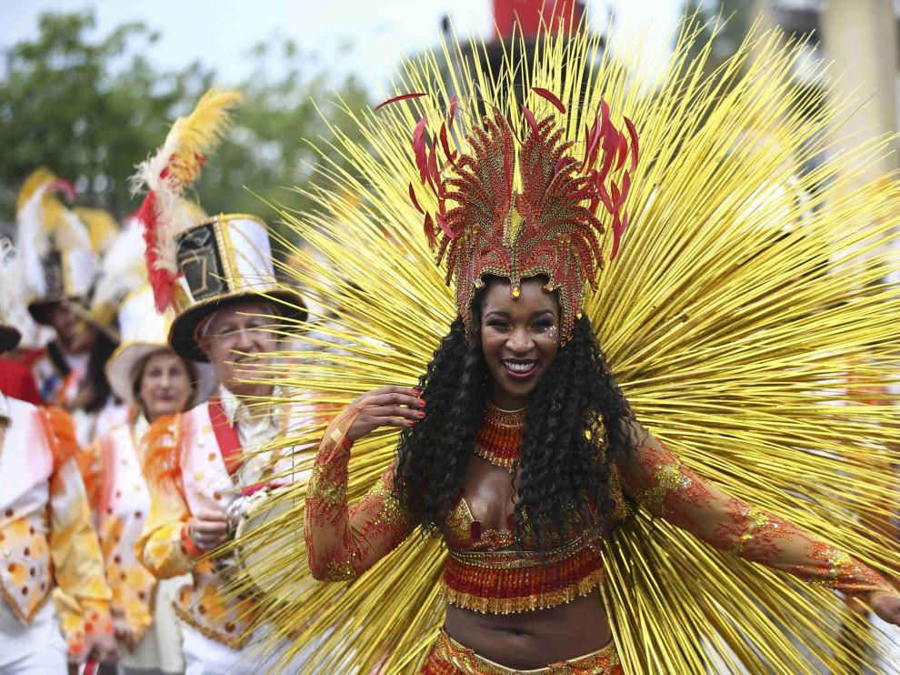 Ritmos afrocaribeños toman Notting Hill durante el gran desfile del carnaval